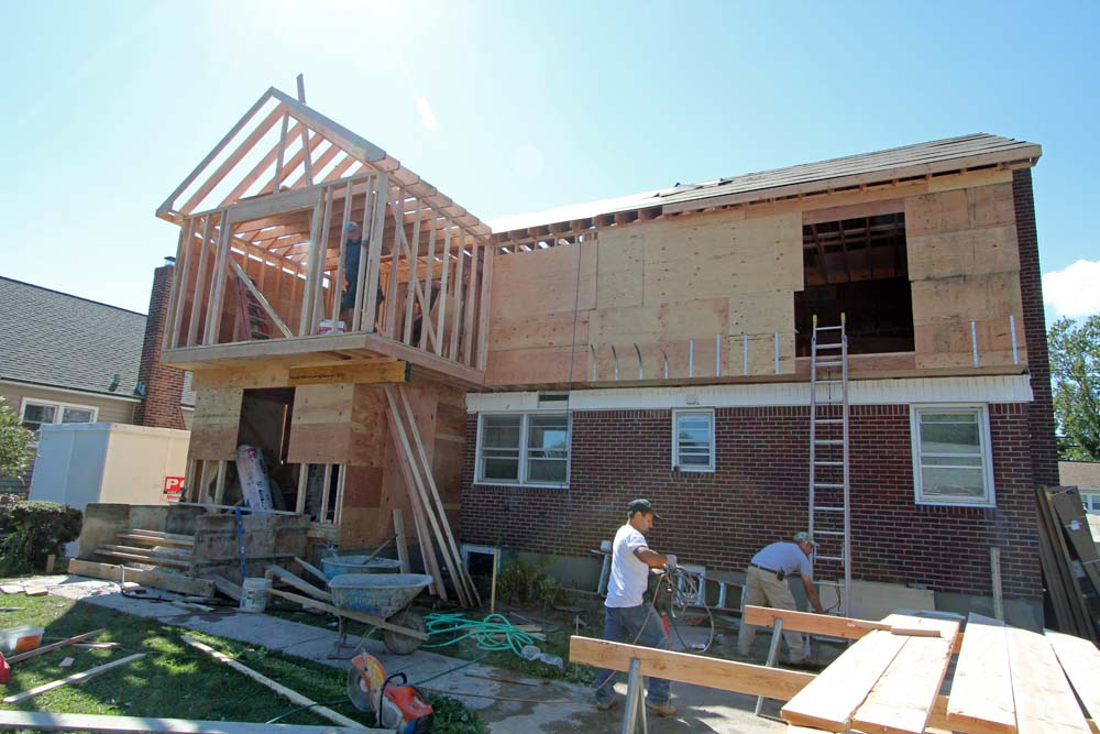 Bellmore ny 2nd story addition mother daughter with for Two story sunroom additions